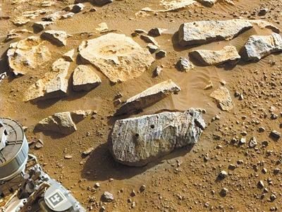 """""""毅力""""号收集的岩石与水长期接触 或为火星生命提供证据"""